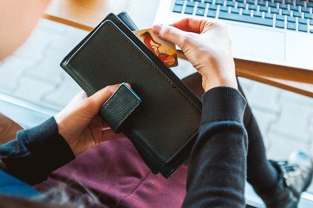 Avantages et inconvénients des services internationaux de transfert d'argent en ligne